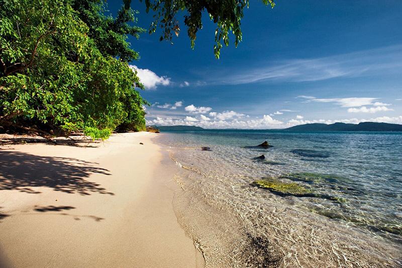 Six-Senses-Krabey-Island-beach