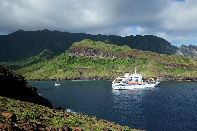 Vacationsmag_ara_Aranui-5-in-the-Marquesas