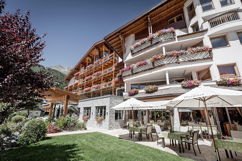 Das Central, Hotels in Tirol, hiking in Austria